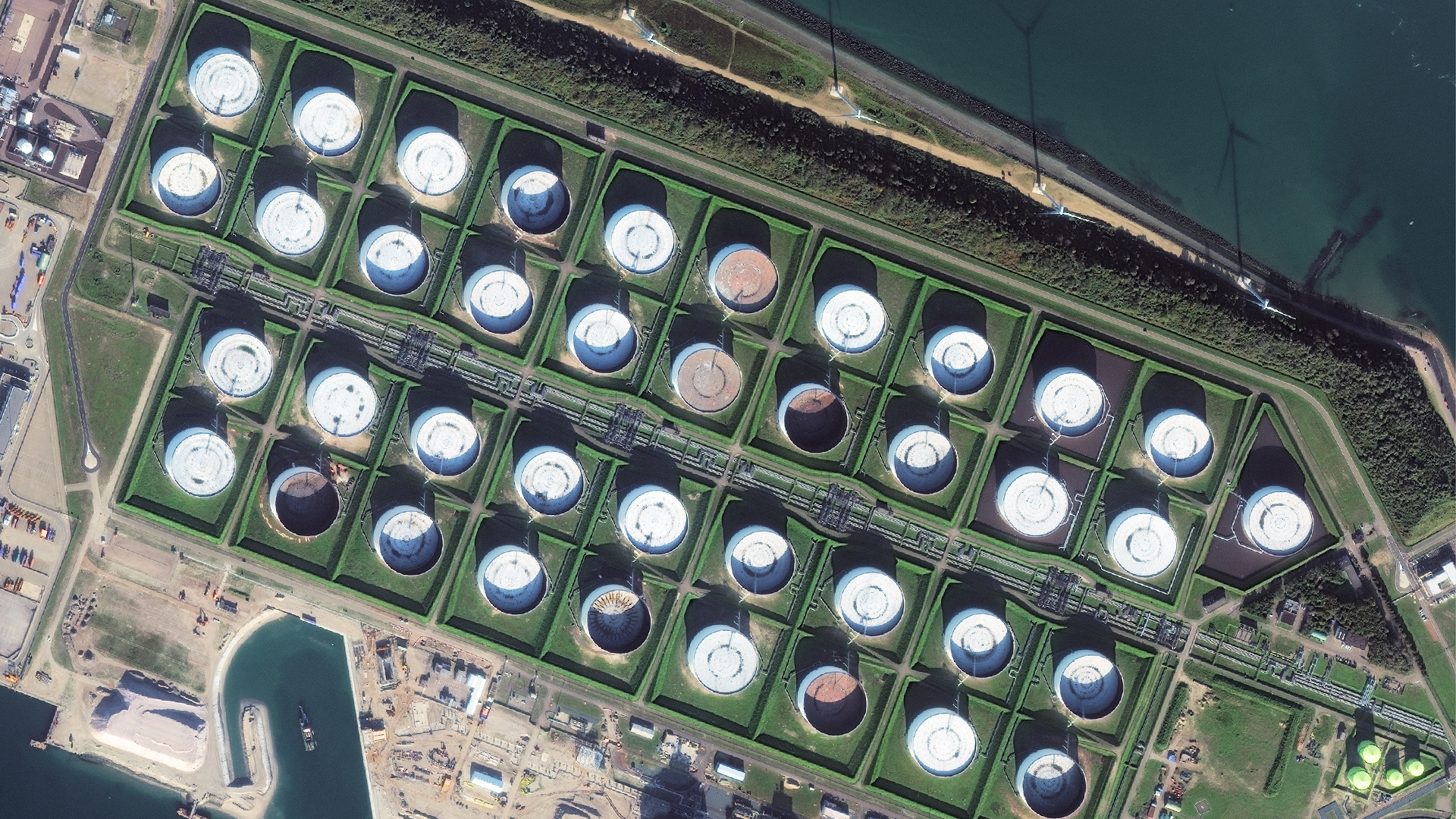 Demystifying Global Oil Stocks Using Geospatial Intelligence